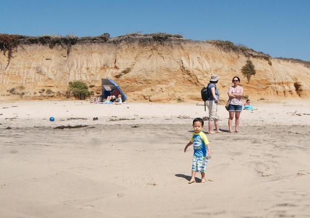 Social Dunes Beach is popular with families. Photo by Mike Liu