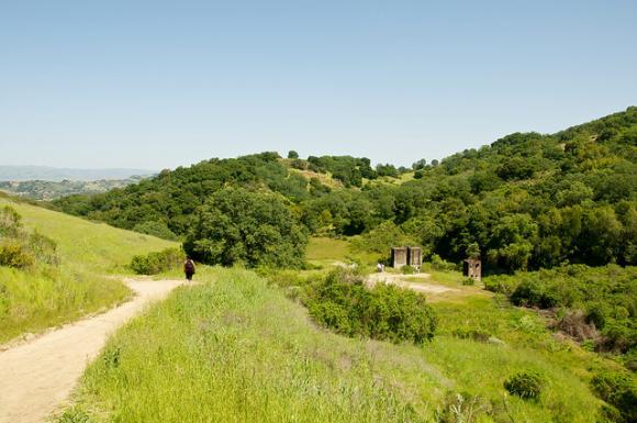 The Senador Mine Trail at Almaden Quicksilver. Photo by Don DeBold/CC.